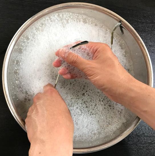 フレームを洗う