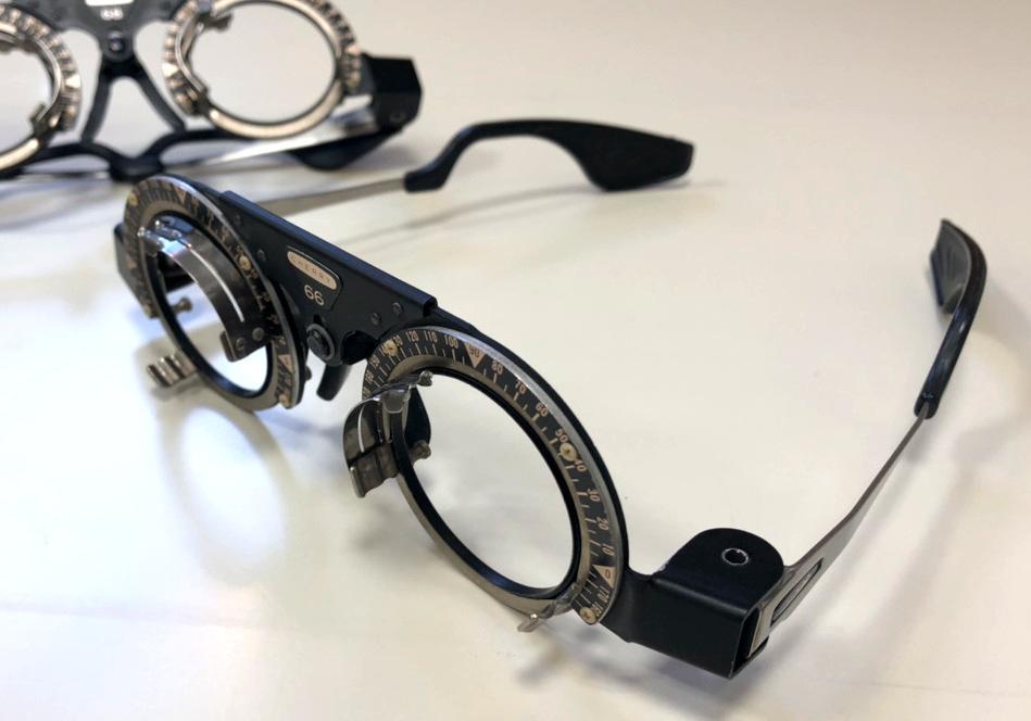 検眼メガネ